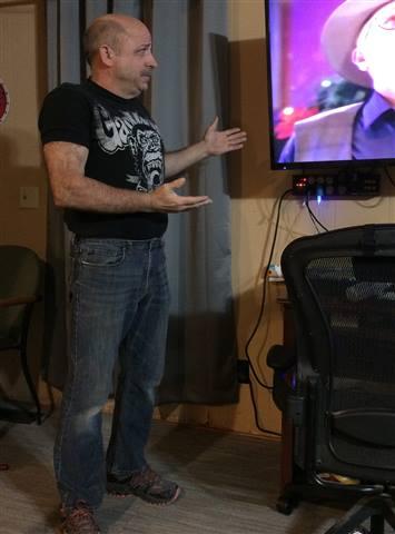 Da869vf - Just  hung big screen TV