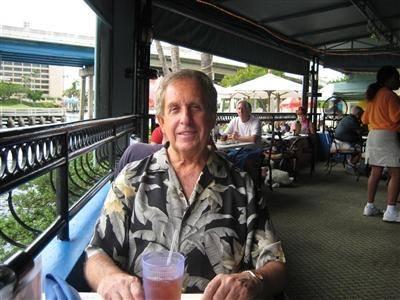 LTR minded - outside dining in Boca Raton,Fl.