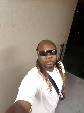 Onzalo - What u see is what u get dis is me